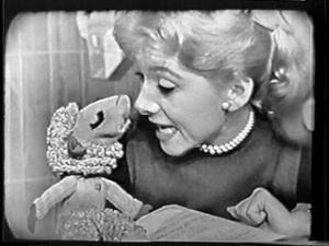shari-lewis-+-lamb-chop-hi-mom-1-hr-puppet-classic-tv-d444